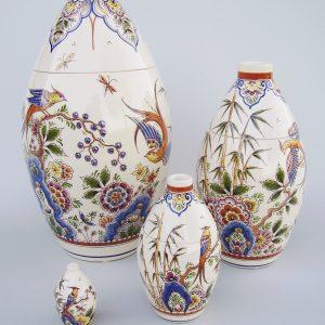 Handbeschilderde urnen